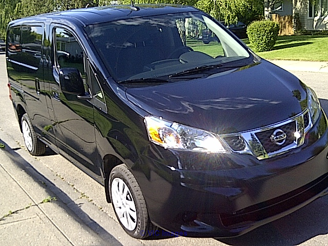 PRICED TO SELL!  2014 Nissan NV200 SV fully loaded $14, 750 calgary