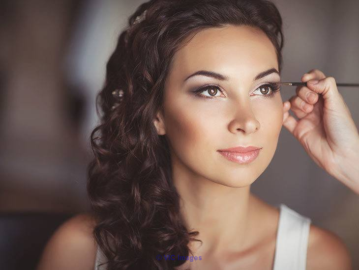 Hire Professional Bridal Hair and Makeup Services in Toronto Calgary, Alberta, Canada Annonces Classées
