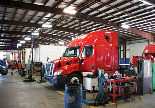 Commercial Heavy duty truck repair service provider in Mississauga, On calgary
