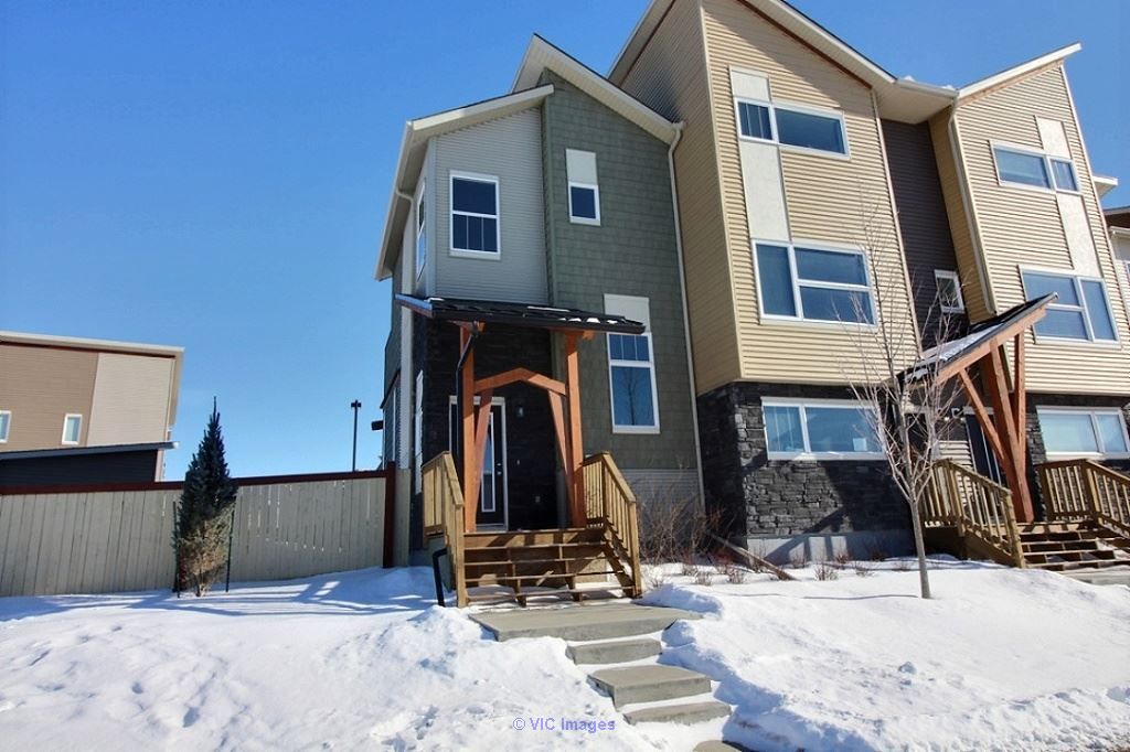 Homes for sale Red deer Calgary, Alberta, Canada Annonces Classées
